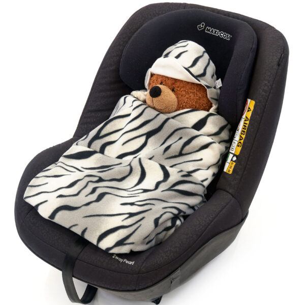 morrck silver-tiger-car-seat-wrap-in-car-seat-closed