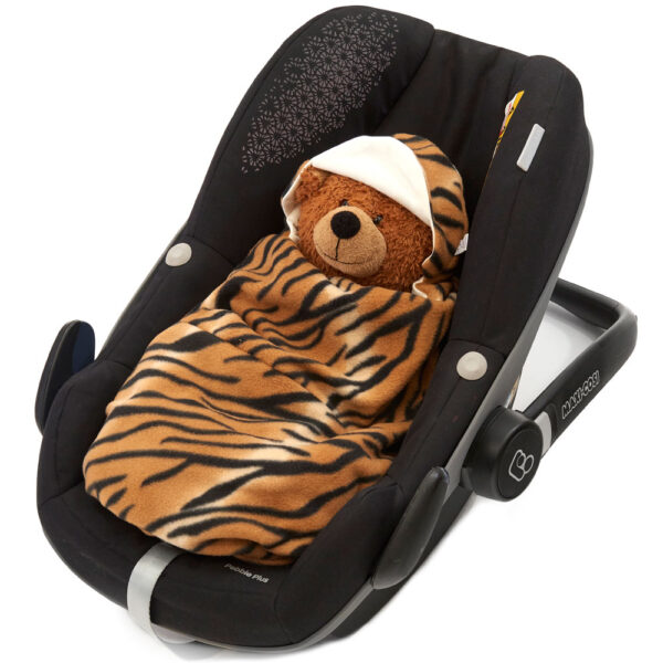 morrck tan-tiger-car-seat-wrap-in-car-seat-closed
